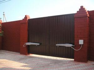 Установка, ремонт и обслуживание распашных ворот в Белгороде