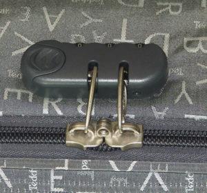 Быстрое экстренное вскрытие всех типов замков на чемоданах.