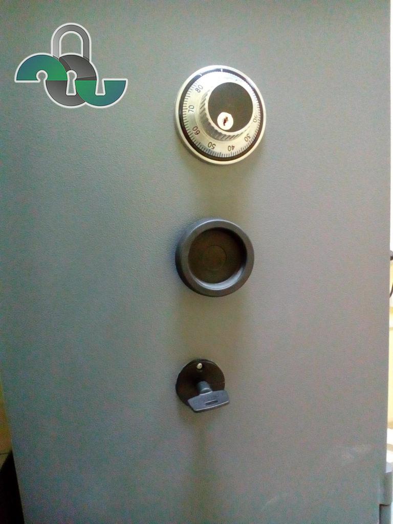 Вскрытие банкоматов с кодовыми замками в Белгороде (услуги)