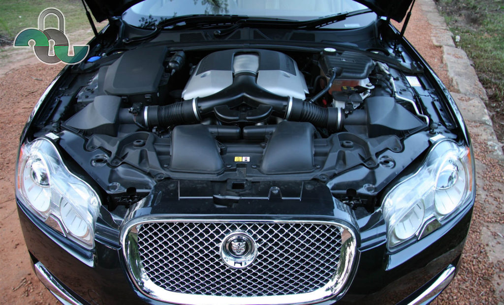 Вскрытие замка капота Ягуар (Jaguar)